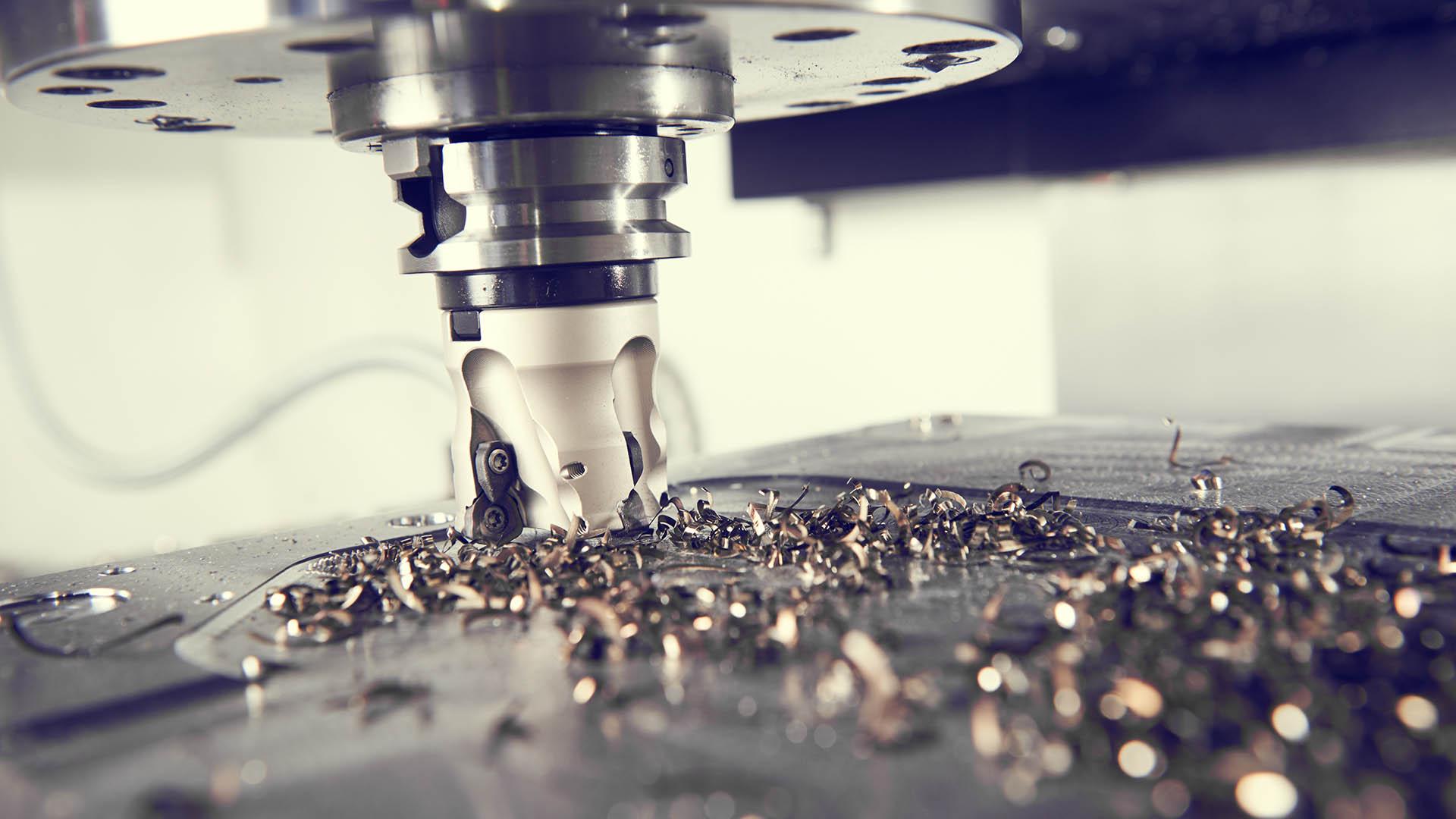 CNC obrábějící kov